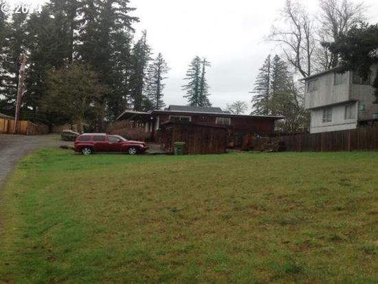 37831 Sandy Heights St, Sandy, OR 97055