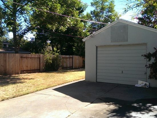 1545 35th St, Sacramento, CA 95816