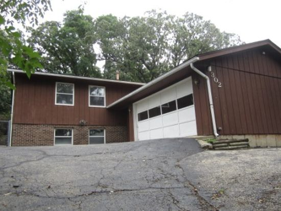 302 Sioux Trl, Lake In The Hills, IL 60156
