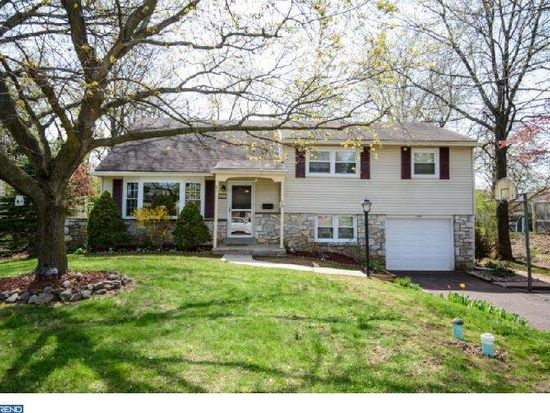 240 Woodlawn Dr, Lansdale, PA 19446