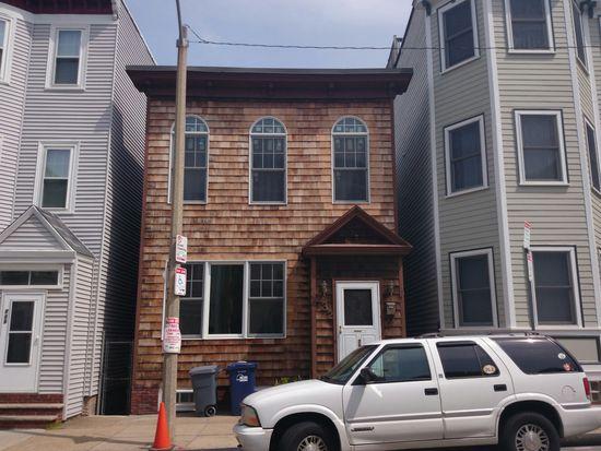 732 E 2nd St, South Boston, MA 02127