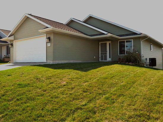 303 Moose Dr NW, Cedar Rapids, IA 52405
