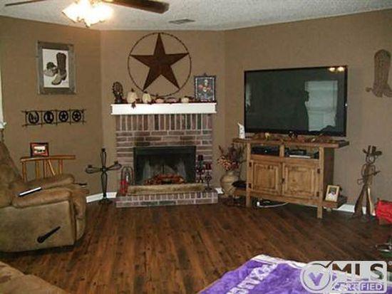 544 Magdalen Ave, Crowley, TX 76036