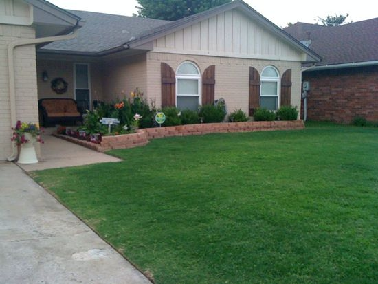 1349 NW 6th Pl, Moore, OK 73170