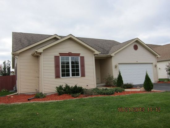 210 Clover Chase Cir, Woodstock, IL 60098