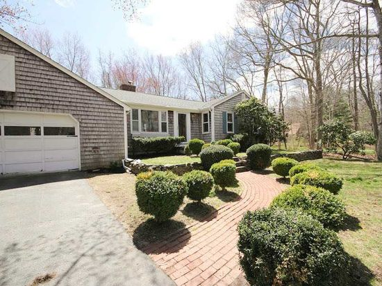 61 Linden Rd, Barrington, RI 02806