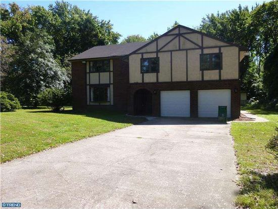 4751 Yates Rd, Bensalem, PA 19020
