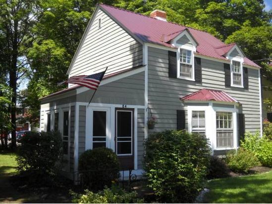 84 Pine St, North Conway, NH 03860