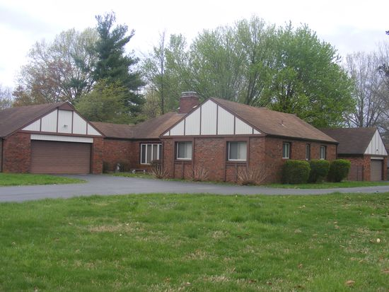 102 Wakefield Dr, Campbellsville, KY 42718