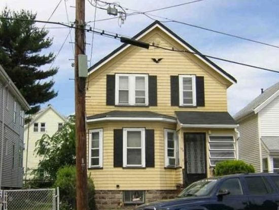 156 Garfield Ave, Chelsea, MA 02150