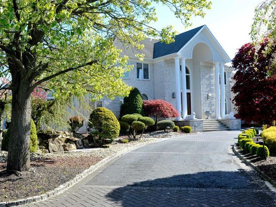 327 Mockingbird Ln, Morganville, NJ 07751