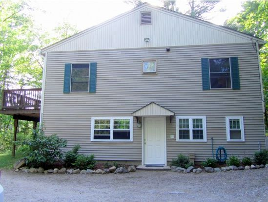 61 Packers Falls Rd, Newmarket, NH 03857