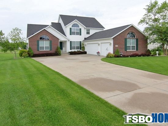 5510 Hunters Ridge Ct, Marion, IA 52302