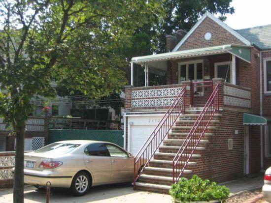 2472 E 28th St, Brooklyn, NY 11235