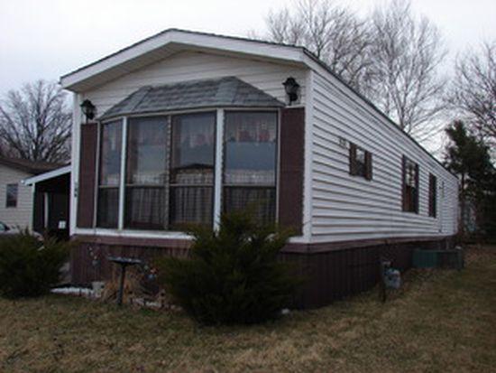 146 Maple Ln, Manteno, IL 60950