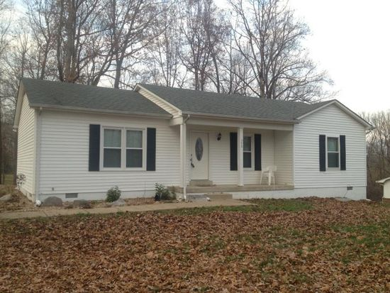 390 Castle Heights Rd, Bowling Green, KY 42103