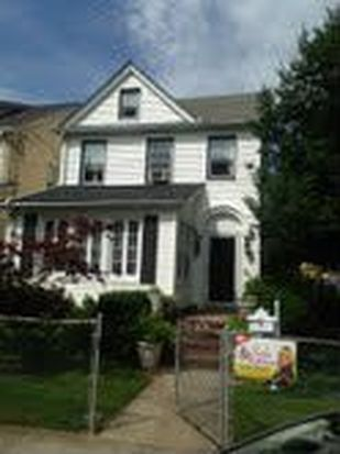 9502 240th St, Floral Park, NY 11001