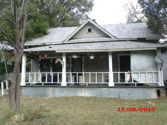 215 4th Ave SE, Moultrie, GA 31768