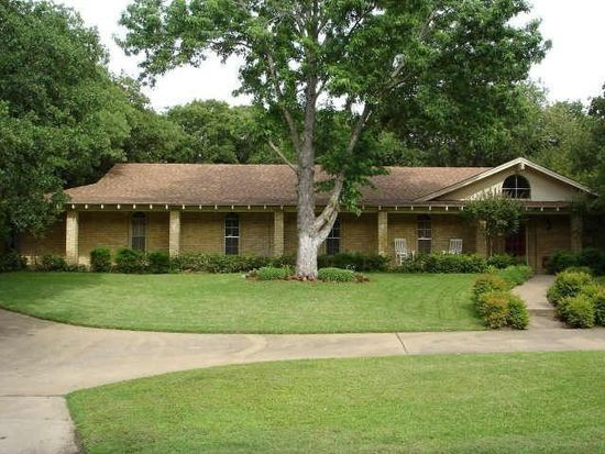 3909 Spring Hollow St, Colleyville, TX 76034