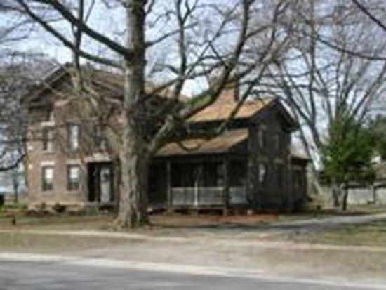142 S Main St, Lyndonville, NY 14098