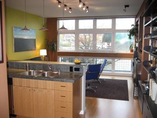 17 W Mercer St APT 214, Seattle, WA 98119
