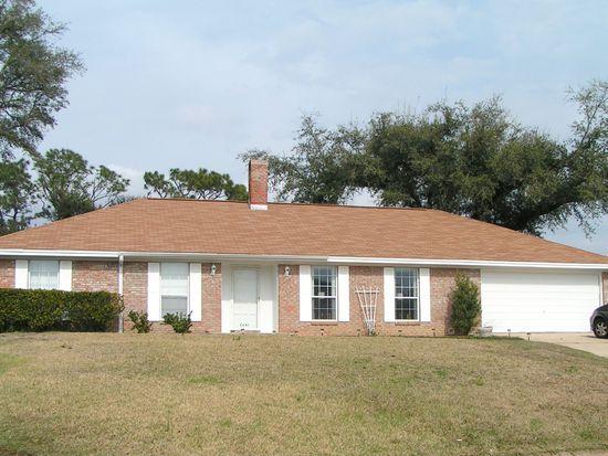 6490 Hermitage Dr, Pensacola, FL 32504