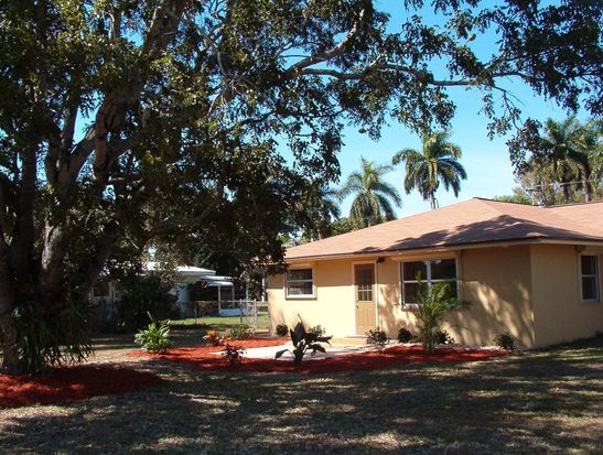3918 E River Dr, Fort Myers, FL 33916