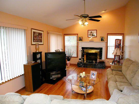 103 N Windham Ln, Bloomingdale, IL 60108