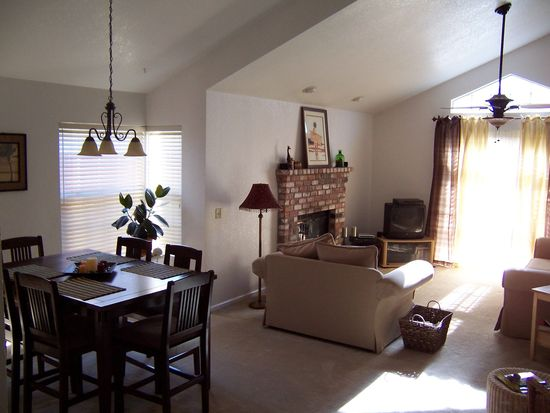 1936 Cottage Ct, Stockton, CA 95207