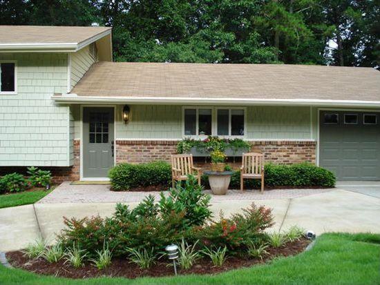 1054 Northcliffe Dr NW, Atlanta, GA 30318
