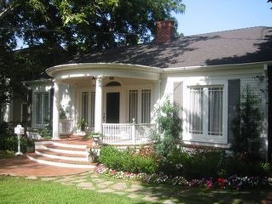 885 N Hill Ave, Pasadena, CA 91104