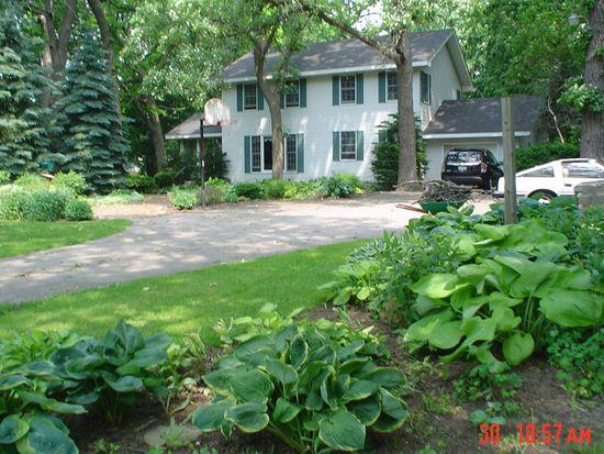 4028 Mccullom Lake Rd, Mchenry, IL 60050