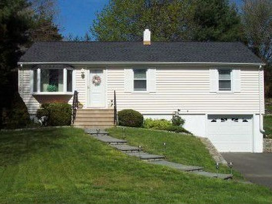 26 Robert Ct, Fairfield, CT 06824