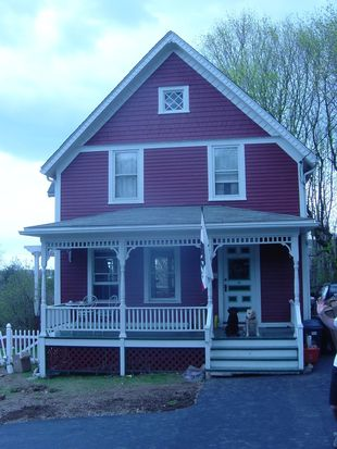 69 Irving St, Mystic, CT 06355