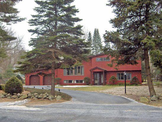 61 Wildwood Rd, Andover, MA 01810