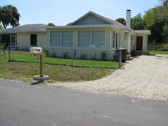 215 Glenboro Ave, Fort Myers, FL 33916