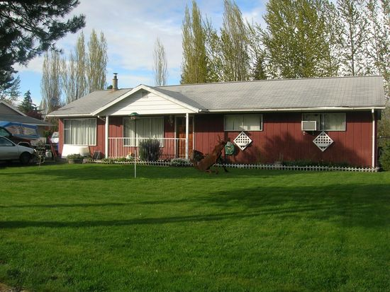 809 E 3rd St, Molalla, OR 97038