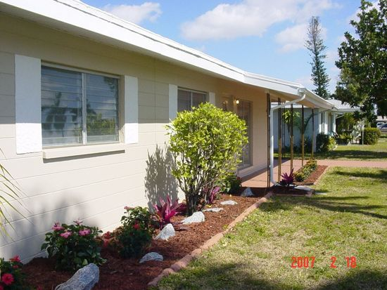 1453 Byron Rd, Fort Myers, FL 33919