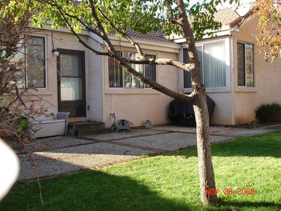 471 Youngsdale Dr, Vacaville, CA 95687