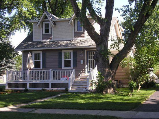 302 E Elm St, Lombard, IL 60148