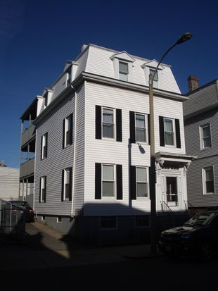 658 E 6th St, South Boston, MA 02127