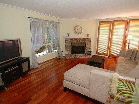 4415 Saugus Ave APT 103, Sherman Oaks, CA 91403