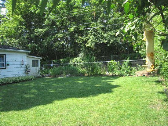 160 Sioux Ave, Carpentersville, IL 60110
