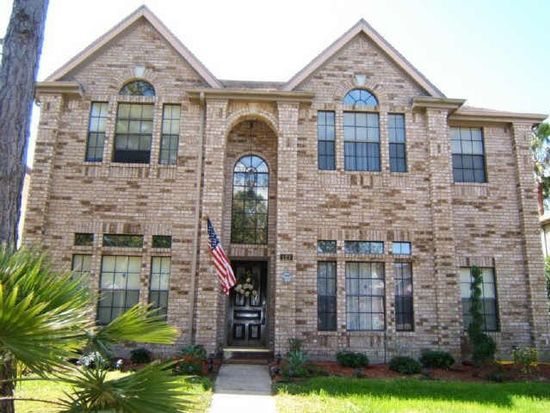 127 Hidden Lake Dr, League City, TX 77573