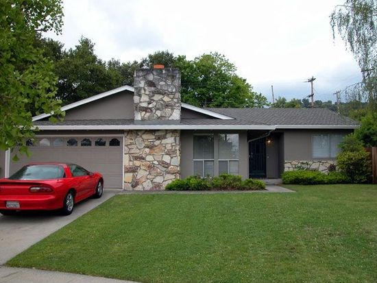 109 Forest Hill Dr, Los Gatos, CA 95032