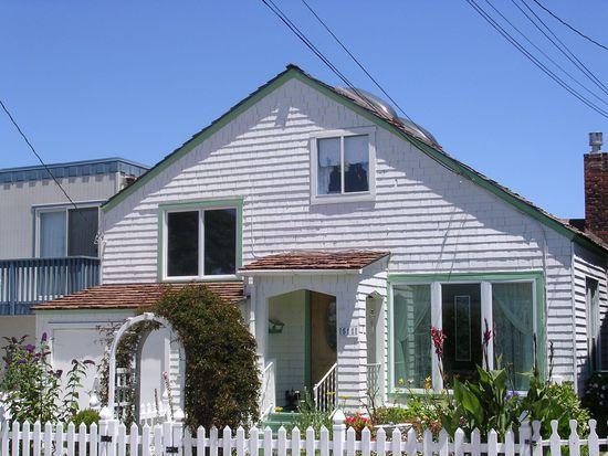 511 Fountain Ave, Pacific Grove, CA 93950