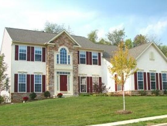 4 Winding Brook Dr, Sinking Spring, PA 19608