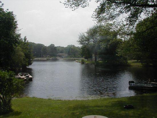 43 Lake Dr, Oakdale, CT 06370