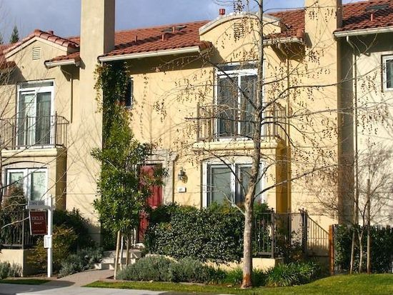 47 Cuesta Dr, Los Altos, CA 94022