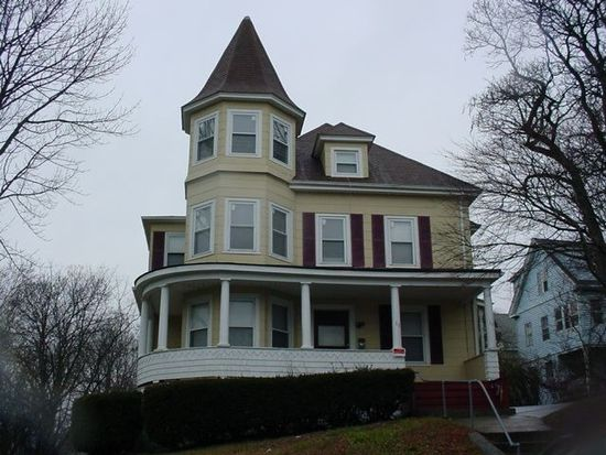 10 Adelaide St, New London, CT 06320